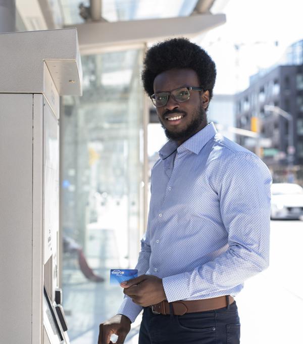 Using the fare vending machine - Grand River Transit